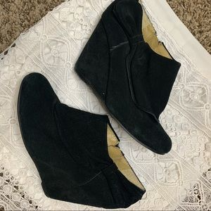 Black suede booties bow wedges urban outfitters 7